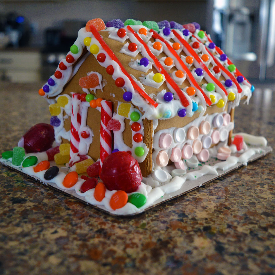 Mini Gingerbread House Diy: Christmas Activity With The Kids: Gingerbread House Kit